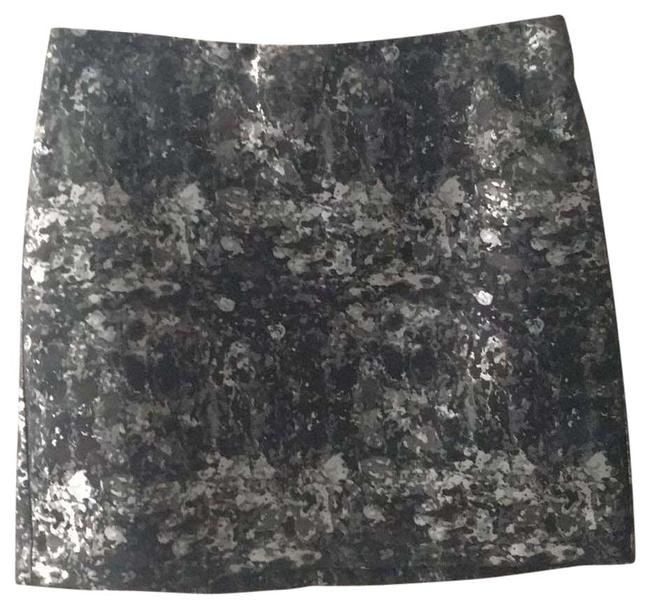 Item - Black/Grey/Silver Dark Multi Skirt Size 8 (M, 29, 30)
