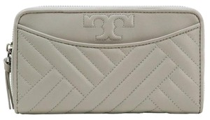 Tory Burch NEW Tory Burch Quilted Alexa Zip Continental Wallet