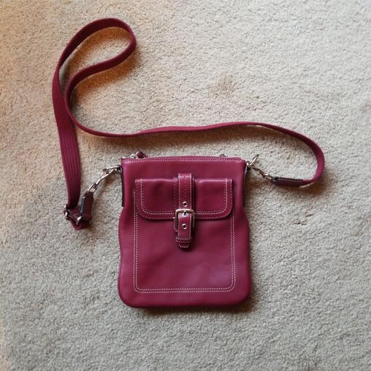 Preload https://item1.tradesy.com/images/coach-strap-from-top-of-purse-is-24-inches-pinkburgundy-strap-is-fabric-leather-cross-body-bag-26149510-0-0.jpg?width=440&height=440
