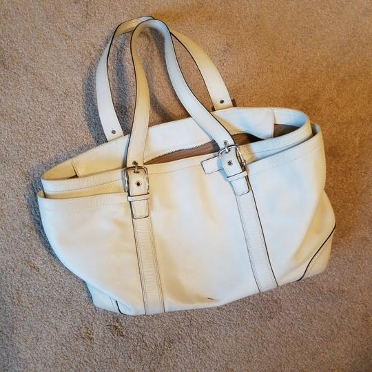 Preload https://item1.tradesy.com/images/coach-with-black-stitching-white-leather-satchel-26149580-0-0.jpg?width=440&height=440
