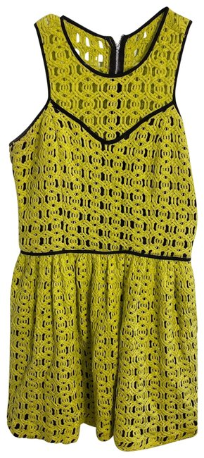 Preload https://img-static.tradesy.com/item/26149603/hunter-bell-green-short-casual-dress-size-6-s-0-1-650-650.jpg