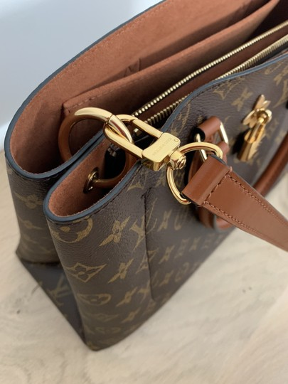 Louis Vuitton Tote in Caramel Image 2