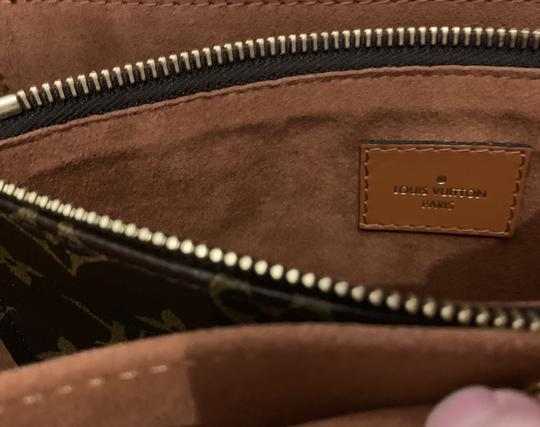 Louis Vuitton Tote in Caramel Image 8
