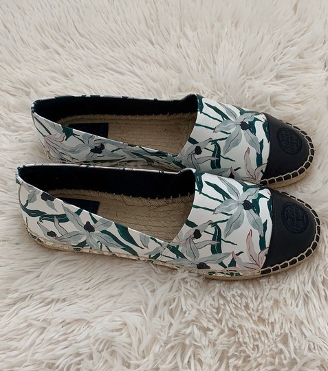 Tory Burch ivory desert bloom/ perfect navy Flats Image 4