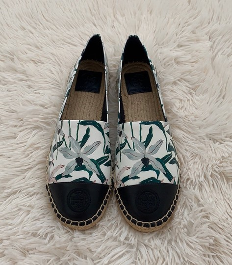 Tory Burch ivory desert bloom/ perfect navy Flats Image 5