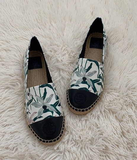 Tory Burch ivory desert bloom/ perfect navy Flats Image 6