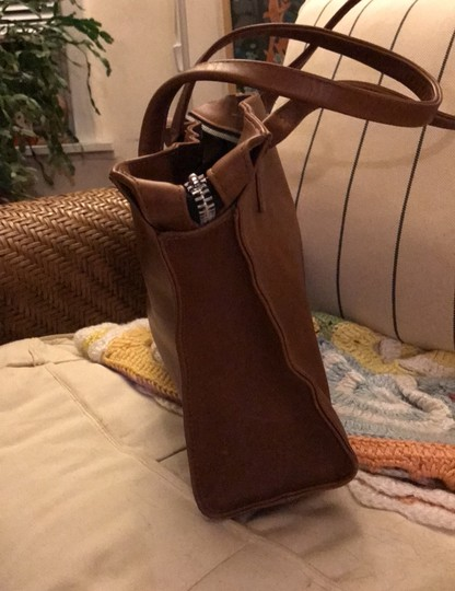 village tannery Tote in camel Image 2