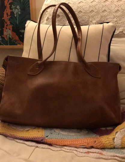 village tannery Tote in camel Image 3