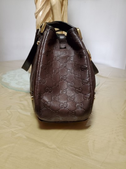 Gucci Leather Gg Gold Hardware Lining Abbey Satchel in Brown Image 2