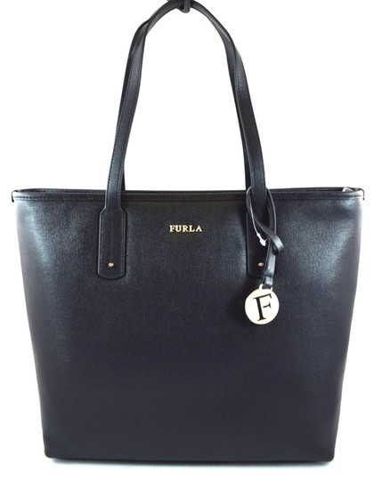 Preload https://img-static.tradesy.com/item/26149980/furla-22872-black-leather-tote-0-0-540-540.jpg