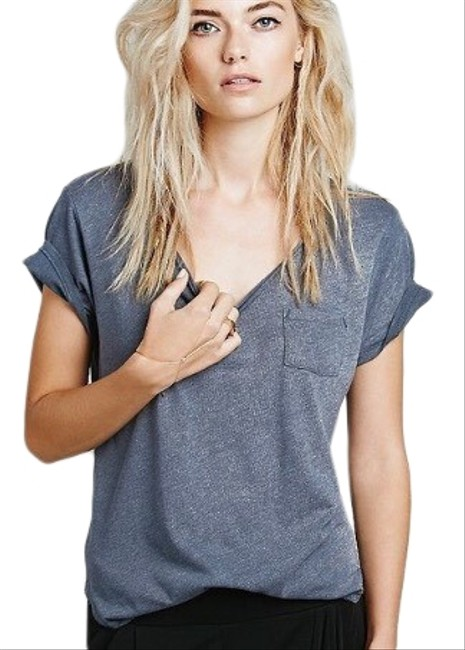 Preload https://img-static.tradesy.com/item/26150015/free-people-grey-rory-wildfire-pocket-tee-shirt-size-0-xs-0-1-650-650.jpg