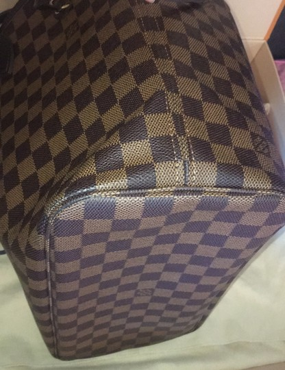 Louis Vuitton Tote in Red Image 10