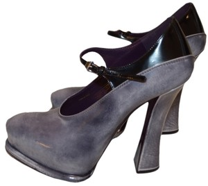 Prada Gray / black / purple Pumps