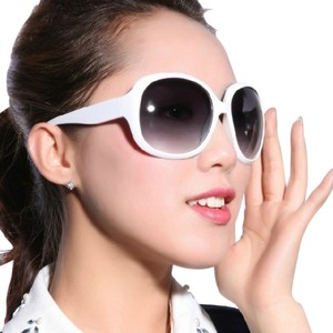 Other Celeb-style High Fashion Classic Shades (white)
