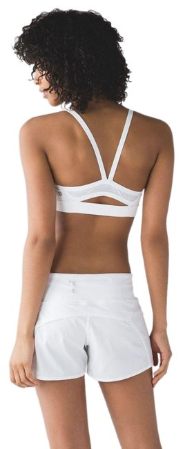 Item - White And Run Activewear Sports Bra Size 6 (S, 28)