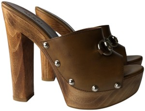 Gucci brown camel Mules