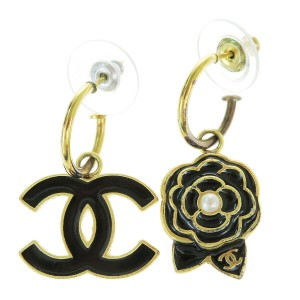 Chanel CHANEL CC Logo Imitation Pearl Pierce Gold-tone Accessories France