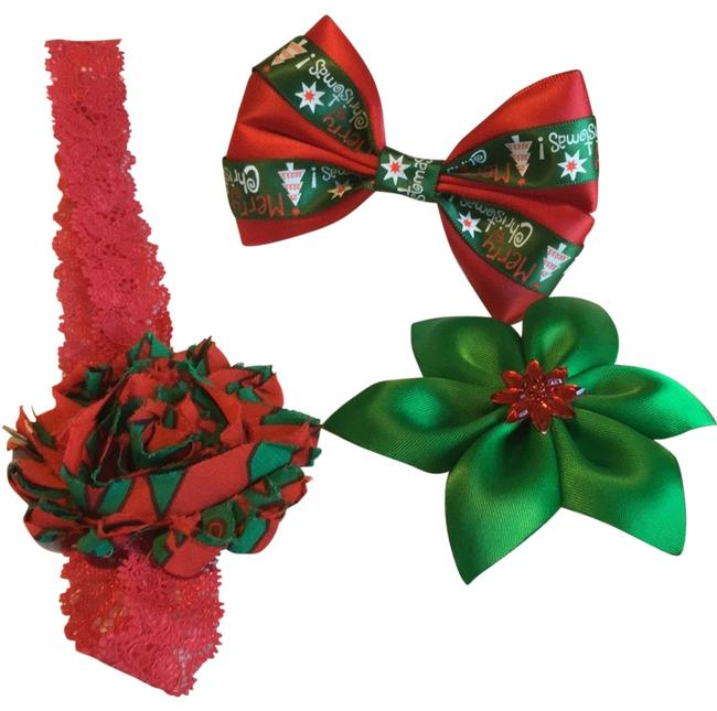 Item - Red and Green Set Hair Accessory