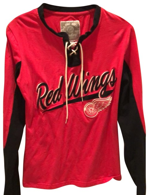 Preload https://img-static.tradesy.com/item/26155753/red-with-black-wings-long-sleeve-tee-shirt-size-4-s-0-1-650-650.jpg