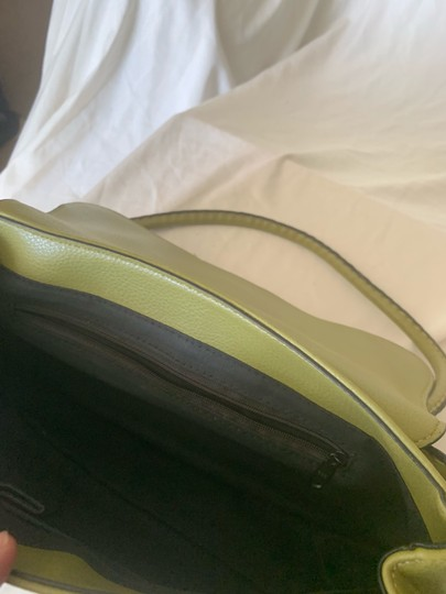 Tod's Satchel in lime green Image 3