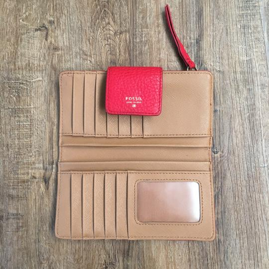Fossil Wristlet in red Image 1