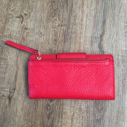 Fossil Wristlet in red Image 3