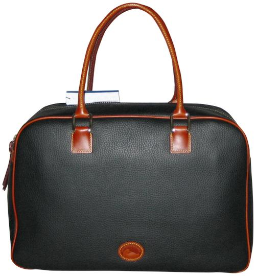 Preload https://img-static.tradesy.com/item/26155949/dooney-and-bourke-duffle-pebble-grain-bowler-black-leather-weekendtravel-bag-0-1-540-540.jpg