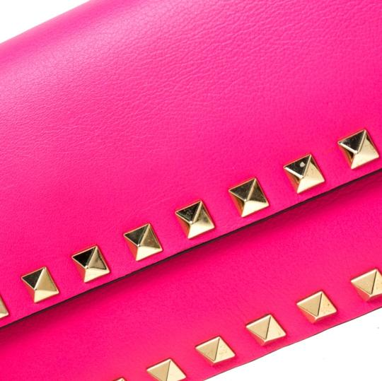 Valentino Leather Studded Signature Pink Clutch Image 9