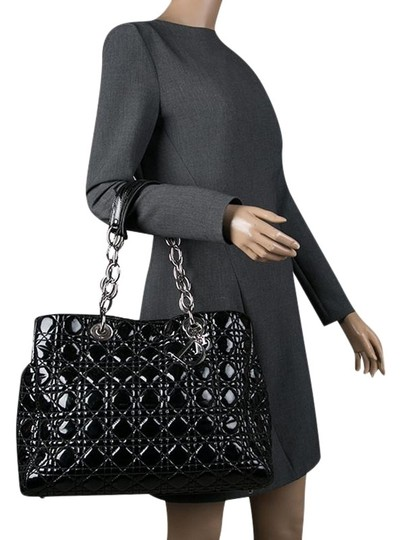 Preload https://img-static.tradesy.com/item/26156052/dior-shopping-cannage-quilted-soft-large-black-patent-leather-tote-0-1-540-540.jpg