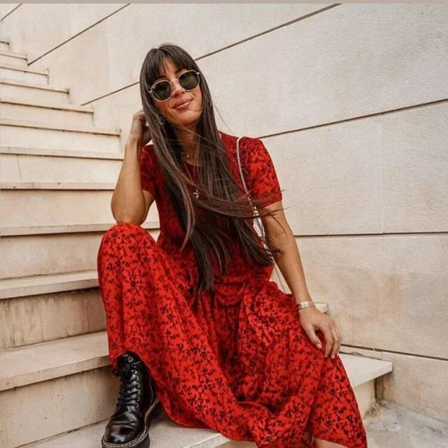 Preload https://item5.tradesy.com/images/zara-red-long-casual-maxi-dress-size-8-m-26156054-0-1.jpg?width=400&height=650