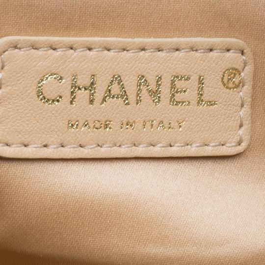 Chanel Leather Shoulder Bag Image 9
