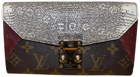 Preload https://img-static.tradesy.com/item/26156102/louis-vuitton-beige-multicolor-majestueux-rare-lizard-ostrich-and-coated-canvas-natural-wallet-0-1-540-540.jpg