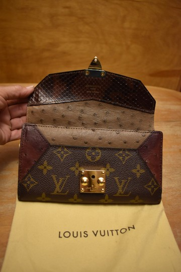 Louis Vuitton RARE Lizard Ostrich and Coated Canvas Natural Majestueux Wallet Image 6