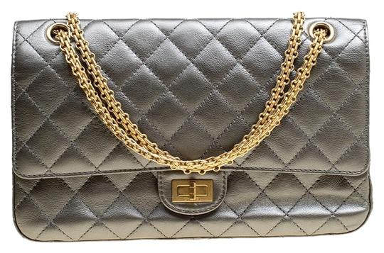 Preload https://img-static.tradesy.com/item/26156108/chanel-classic-flap-255-reissue-quilted-reissue-classic-226-grey-leather-shoulder-bag-0-1-540-540.jpg