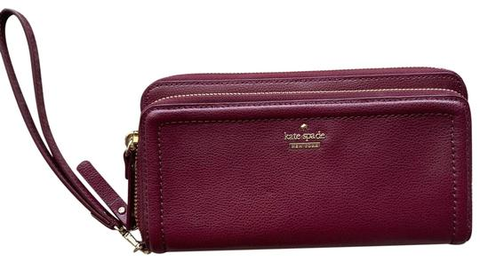 Preload https://img-static.tradesy.com/item/26156132/kate-spade-patterson-drive-zip-wallet-burgundy-leather-wristlet-0-1-540-540.jpg