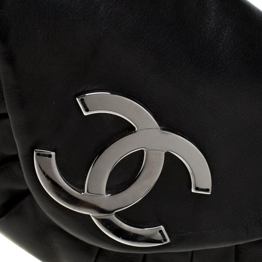 Chanel Leather Nylon Shoulder Bag Image 11