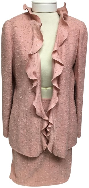 Item - Pink Tweed with Ruffle Trim Skirt Suit Size 8 (M)