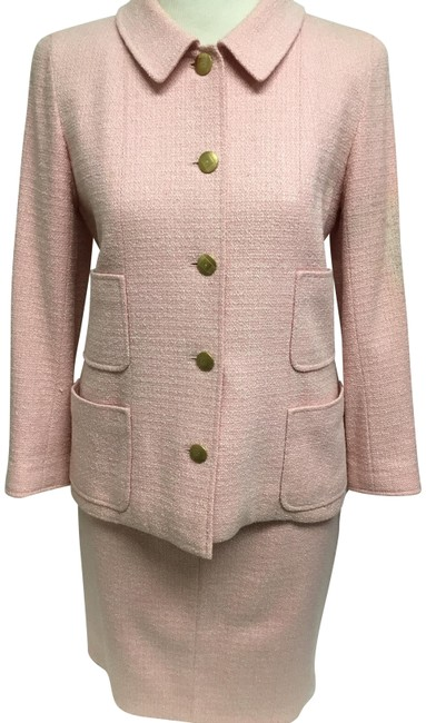 Preload https://img-static.tradesy.com/item/26159242/chanel-pink-tweed-with-gold-logo-buttons-skirt-suit-size-4-s-0-2-650-650.jpg