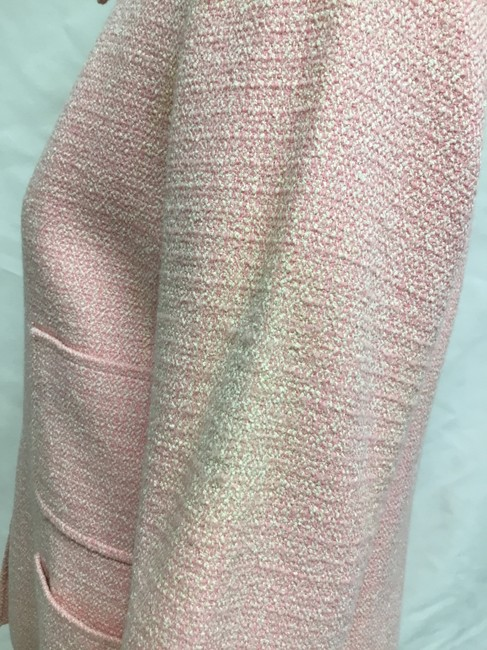 Chanel Pink tweed skirt suit with gold logo buttons Image 10