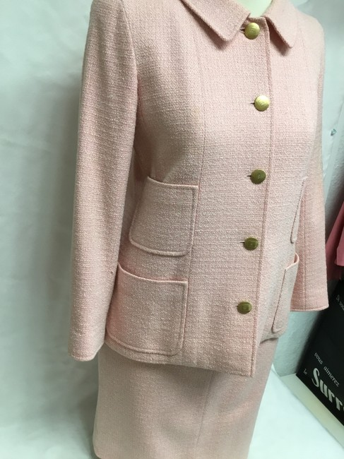 Chanel Pink tweed skirt suit with gold logo buttons Image 3