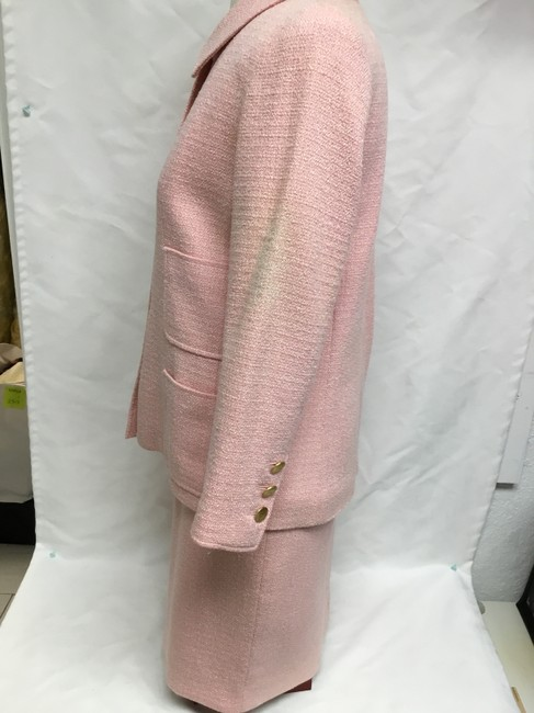 Chanel Pink tweed skirt suit with gold logo buttons Image 5