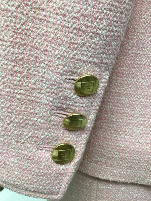 Chanel Pink tweed skirt suit with gold logo buttons Image 6