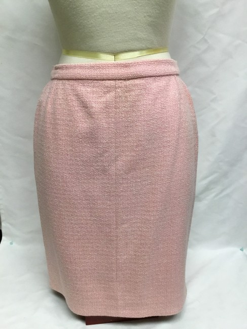 Chanel Pink tweed skirt suit with gold logo buttons Image 8