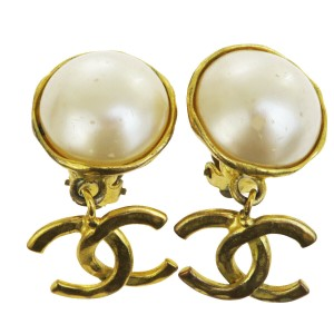 Chanel CHANEL CC Logo Fringe Earrings Imitation Pearl Gold-tone Clip-On 93P