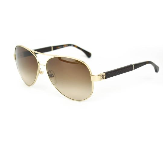 Preload https://img-static.tradesy.com/item/26159456/chanel-aviator-gold-metal-cc-logo-and-leather-in-sunglasses-0-0-540-540.jpg