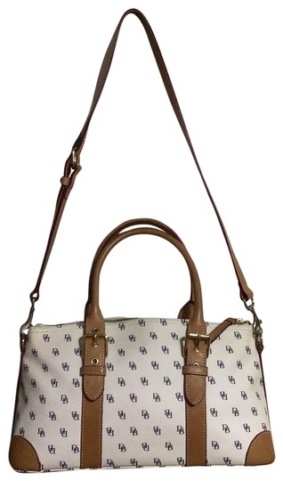 Preload https://img-static.tradesy.com/item/26159565/dooney-and-bourke-ivory-coated-canvas-leather-satchel-0-1-540-540.jpg