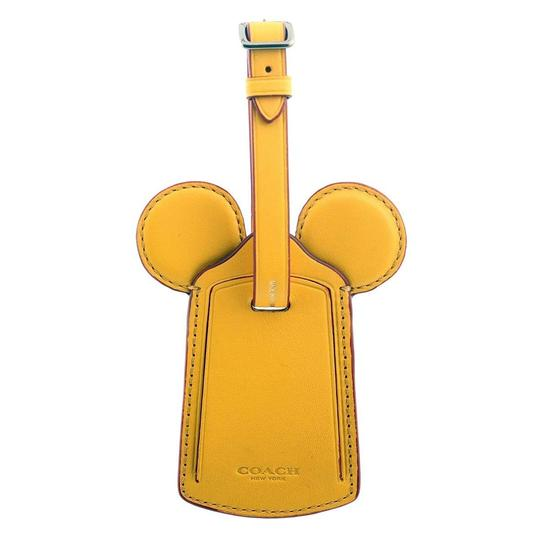Preload https://img-static.tradesy.com/item/26159727/coach-banana-disney-mickey-luggage-tag-with-mickey-ears-f58945-0-0-540-540.jpg
