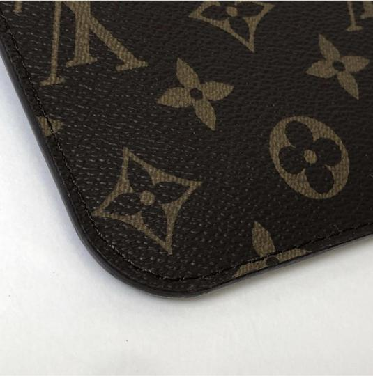 Louis Vuitton Lv Neverfull Neverfull Pm Monogram Pouch Wristlet in Brown Image 7