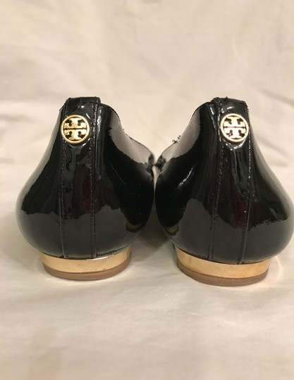 Tory Burch Patent Leather Flat Pumps Open Toe Peep Toe Black gold Wedges Image 3