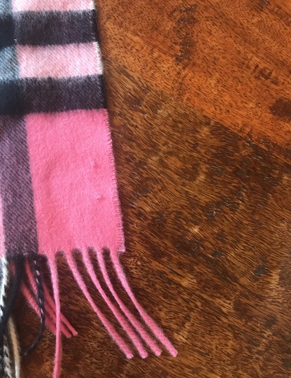 Burberry Heritage Giant Check Fringed Cashmere Muffler Image 2